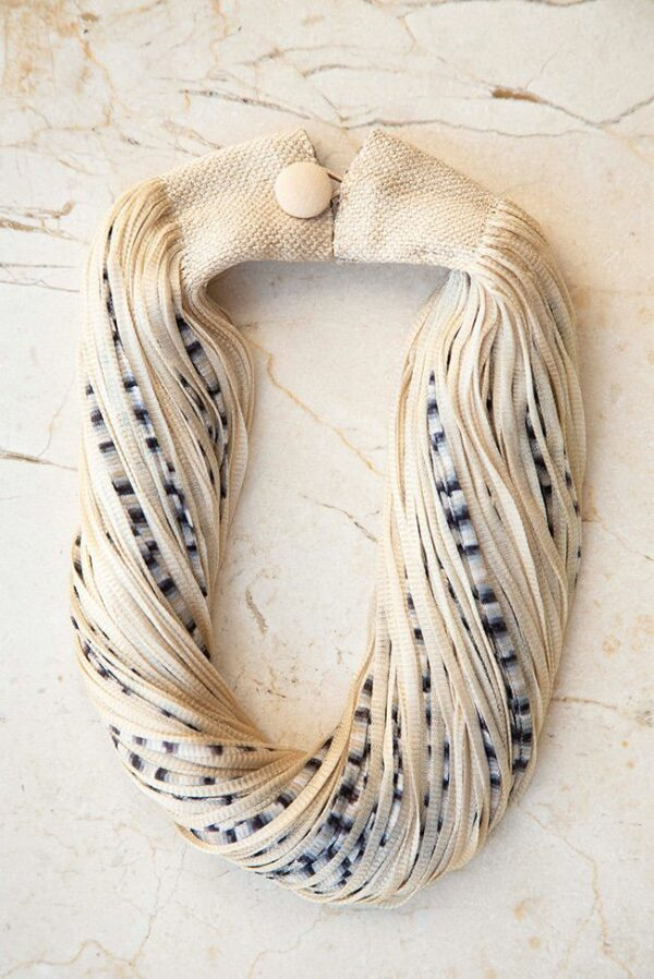 accessories necklace silk jasp beige black 01