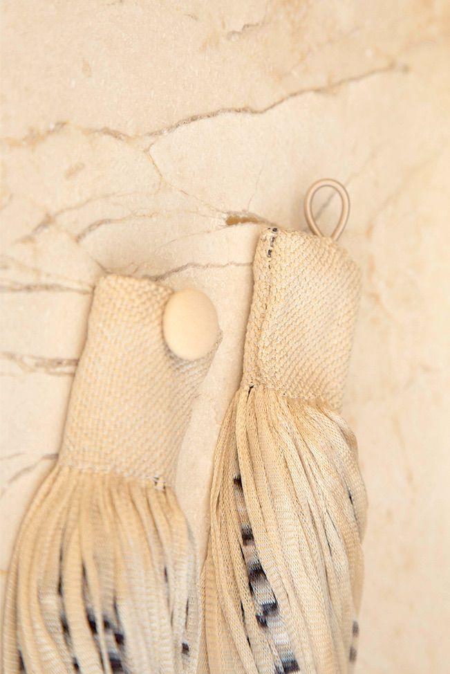 accessories necklace silk jasp beige black 03