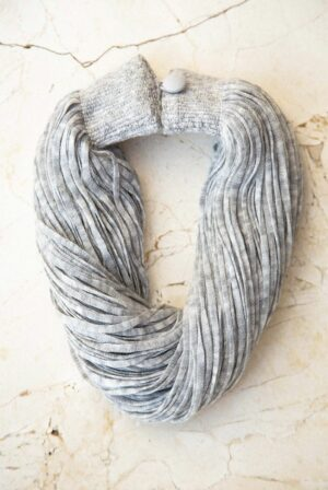 accessories necklace wool grey 01