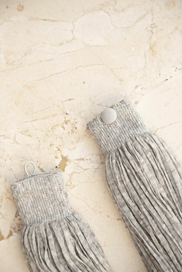 accessories necklace wool grey 02