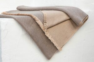 blanket cashmere taupe natural 01