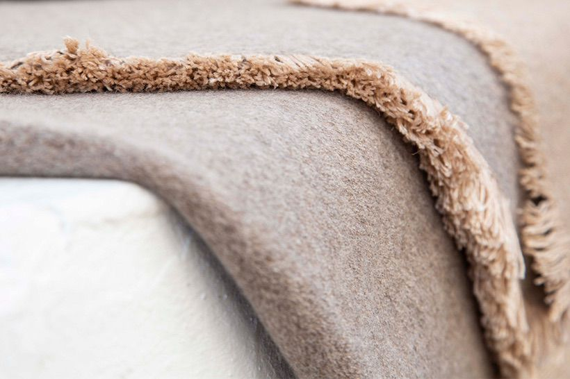 blanket cashmere taupe natural 02