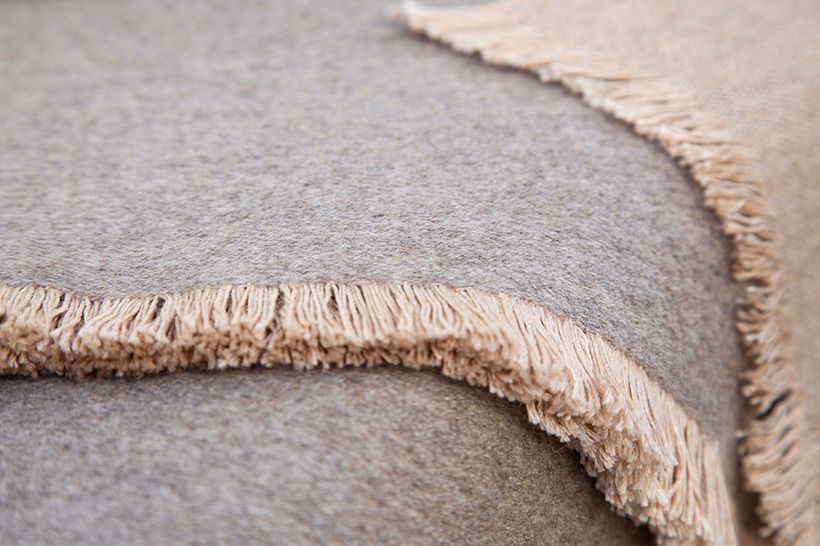 blanket cashmere taupe natural 03