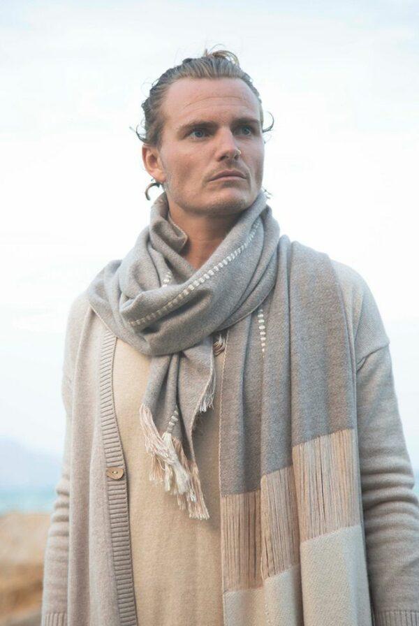 foulard beige topo relieves 02
