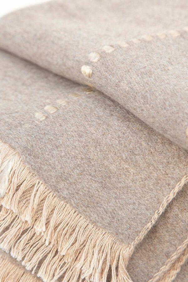 foulard beige topo relieves 03
