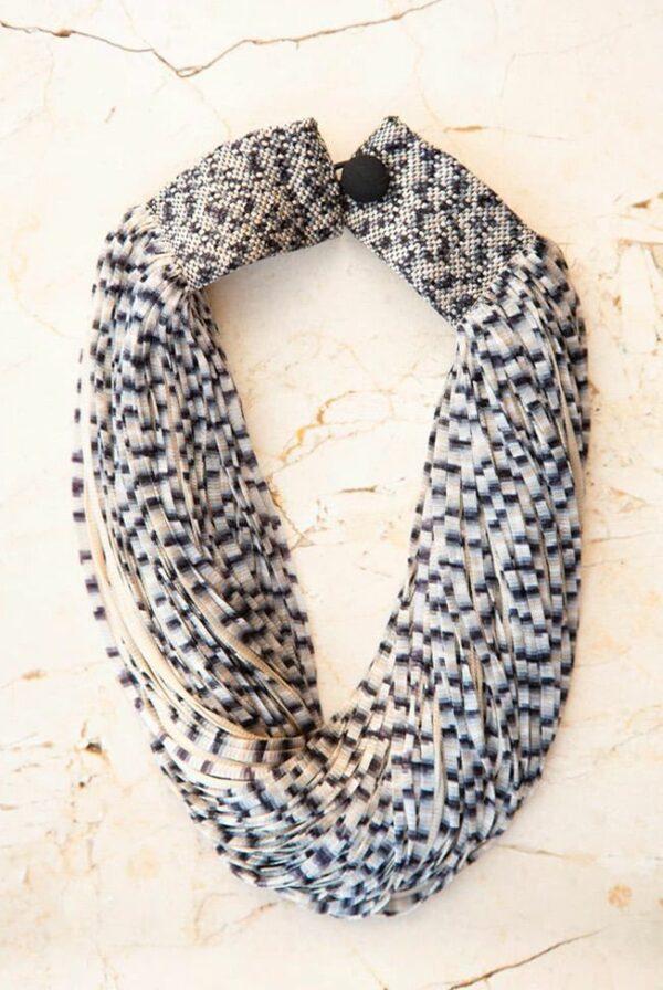 necklace silk jasp black beige 01