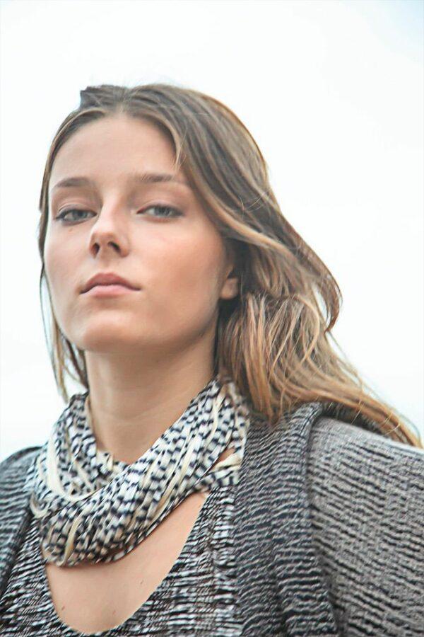 necklace silk jasp black beige 04