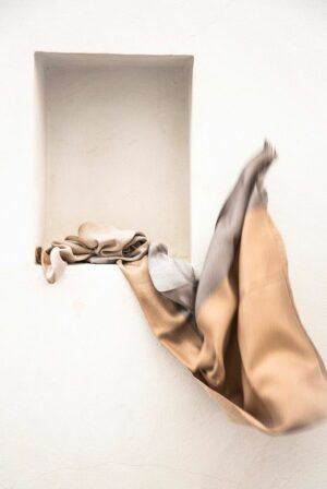 shawl fine beige camel 4c sequins 01