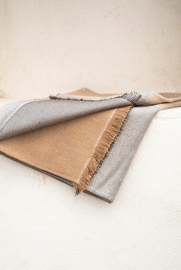 shawl fine beige camel 4c sequins 03
