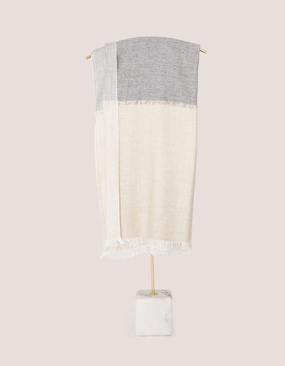 shawl04f